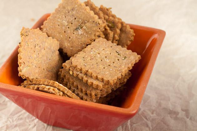 Gluten-free Multigrain Rosemary Crackers | Healthful Pursuit