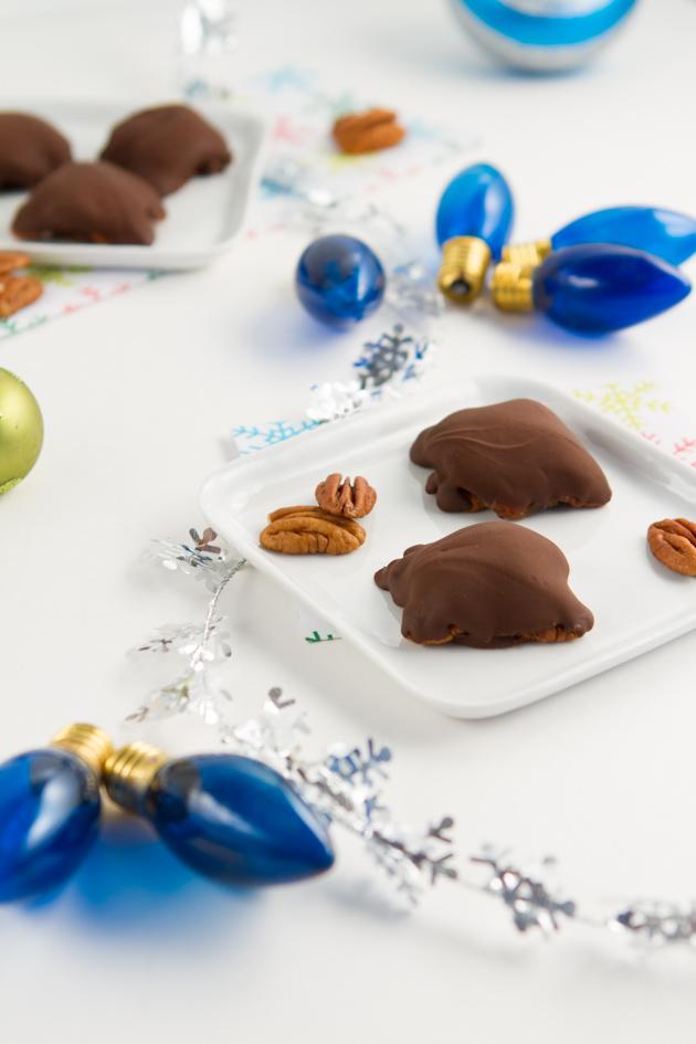 3 Ingredient Chocolate Turtles (35)-2