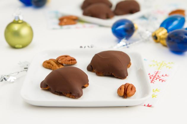 3 Ingredient Chocolate Turtles (43)