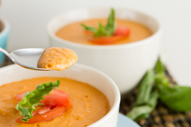 5-Minute Vegan Cream of Tomato Soup #paleo #vegan