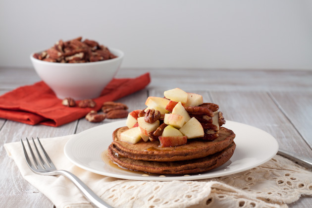 Gingerbread Protein Pancakes #grainfree #glutenfree #breakfast
