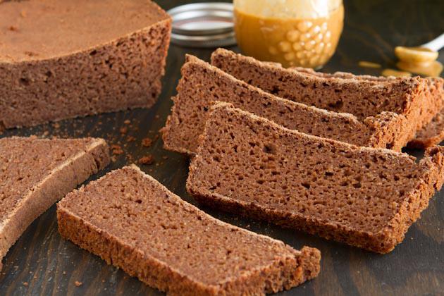 Gluten-free-Sandwich-Bread-(10)