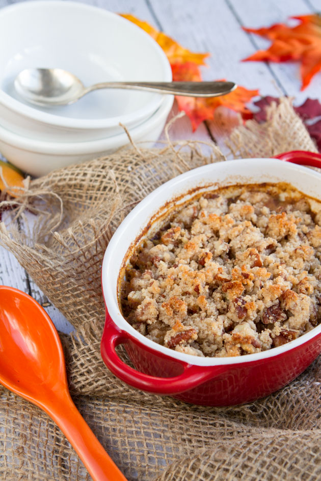 Pumpkin Spice Latte Quinoa Breakfast Casserole with a vegan, grain-free crunchy maple topping