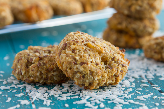 healthy-coconut-mango-quinoa-cookies