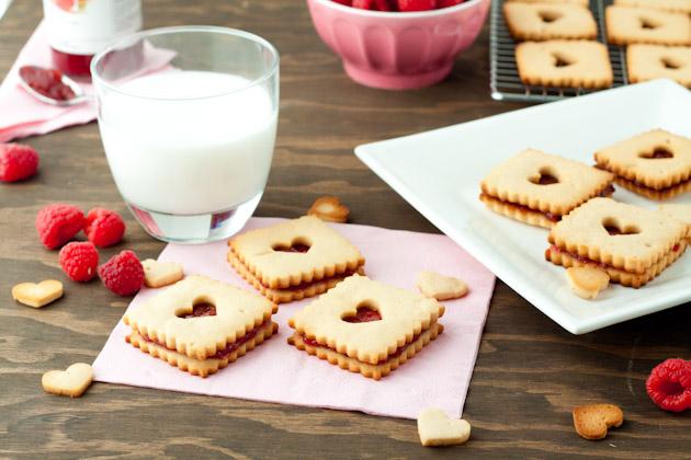 Gluten-free Raspberry Linzer Cookies | Healthful Pursuit