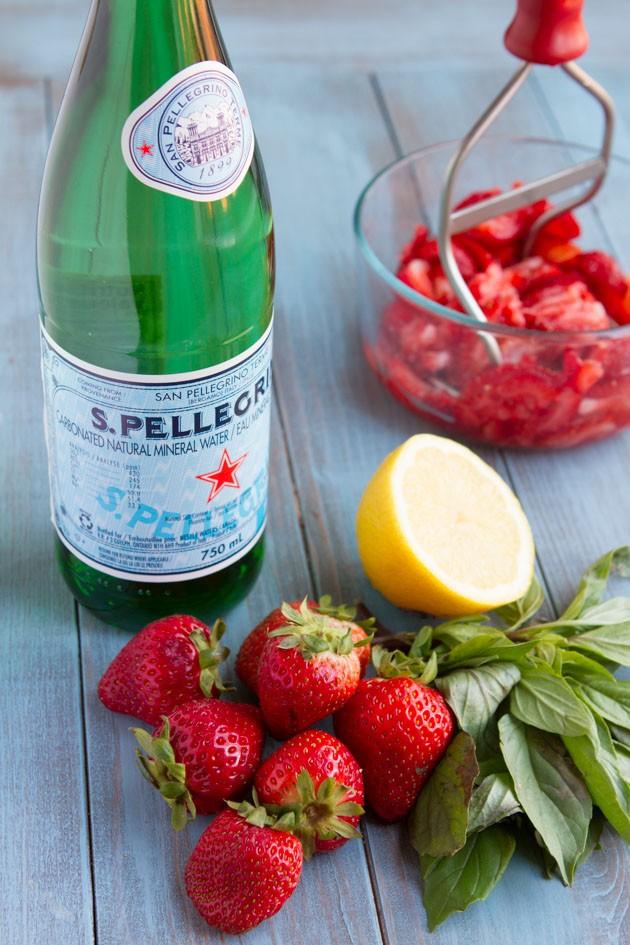Strawberry Basil Italian Lemonade #vegan #sugarfree #keto #lowcarb #paleo