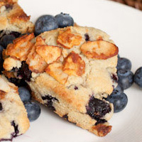 Oil-free Blueberry Streusel Scones