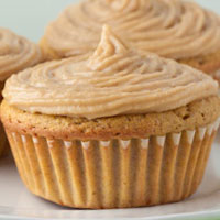 Grain-free Carrot Cupcakes with Dairy-free &#8216;Cream cheese&#8217; Buttercream