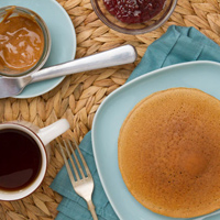 5 Ingredient Grain-free Pancakes (with NO sugar or sweeteners)