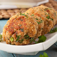 15 minute Maple Pepper Salmon Cakes