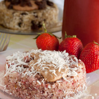 5 minute Strawberry Quinoa Flake Bake