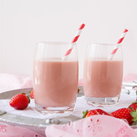 Ultra Creamy Vegan Strawberry Milk