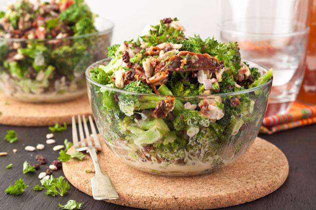 Creamy & Sweet Brocolli Salad #paleo #grainfree