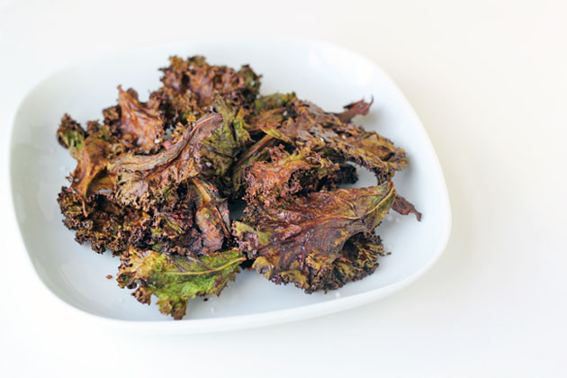 Chocolate Kale Chips #paleo #grainfree #vegan #greens