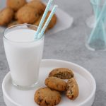 Keto Oatmeal Chocolate Chip Cookies #keto #lowcarb #highfat