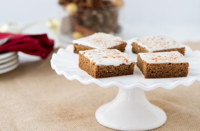 Gingerbread Poke Cake #keto #lowcarb #highfat #theketodiet #ketochristmas #ketothanksgiving