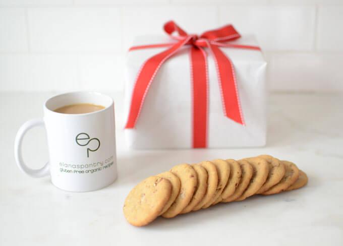 Pecan Shortbread Cookies #keto #lowcarb #highfat #theketodiet #ketobakedgoods #ketodesserts #eggfree #lakanto