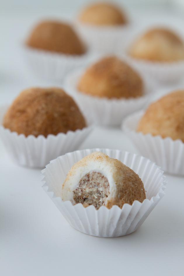 Dairy-free Cinnamon Roll Cheesecake Fat Bombs #keto #lowcarb #highfat #theketodiet