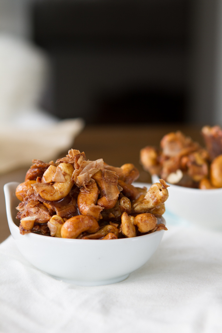 Low Carb Cashew Coconut Clusters