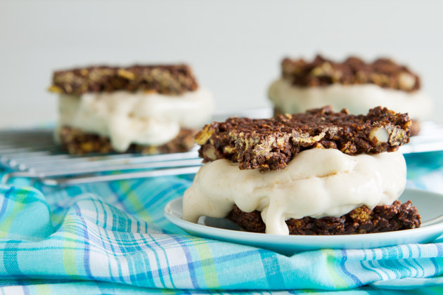 4-Ingredient Vegan Ice Cream Sandwiches