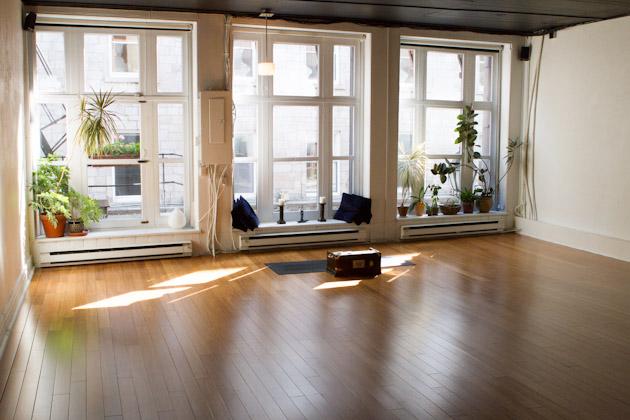 Yoga in Montreal: Moksha, Viveka and Jivamukti