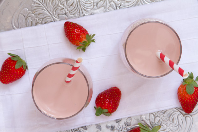 Creamy Vegan Strawberry Milk (10)