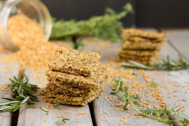 Egg-free! Roasted Herb Crackers #paleo #grainfree #glutenfree #eggfree #sugarfree #keto #lowcarb