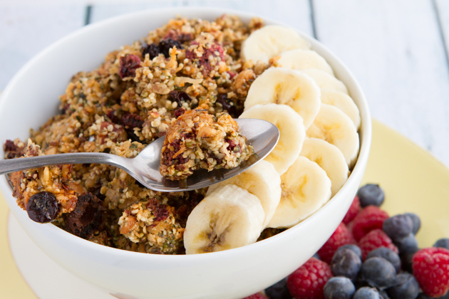 Grain-free Berry Granola #paleo #vegan #glutenfree #recipe
