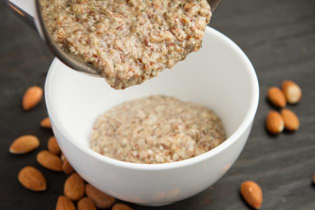 Grain-free Hemp Heart Porridge: Just Nuts + Seeds! #keto #lowcarb #paleo