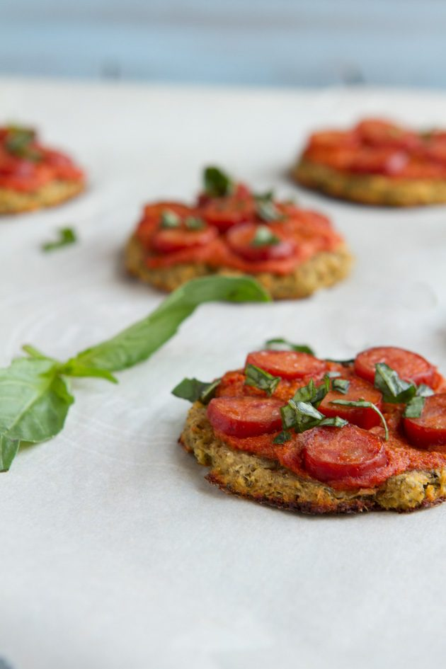 Low-Carb Mini Pizzas #dairyfree #eggfree #grainfree #paleo