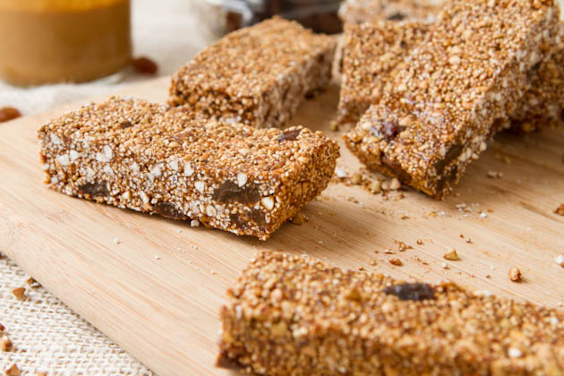 No bake Cinnamon Raisin Granola Bars