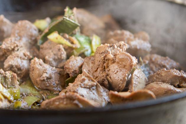 Rosemary Balsamic Chicken Liver Pate #paleo #dairyfree #liver