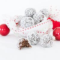 Rum Balls Recipe Kit Giveaway #paleo #glutenfree #vegan #christmas #dessert