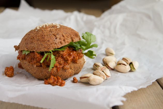 Sloppy Bombay Joe in Low-Carb Buns #grainfree #paleo #lowcarb #keto