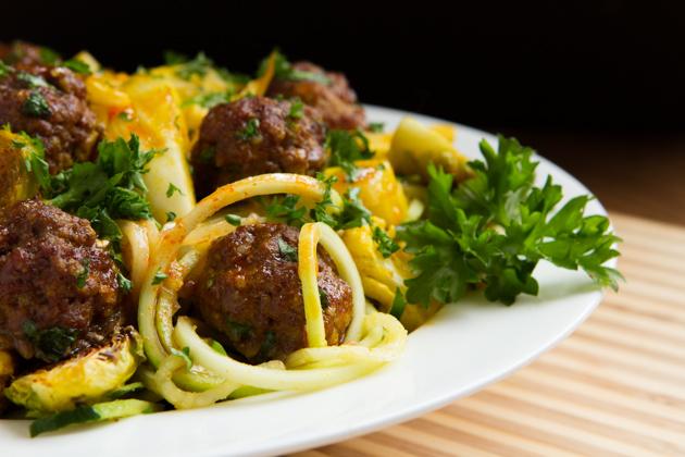 "Sriracha ""Spaghetti"" + Meatballs #keto #paleo #grainfree #lowcarb"