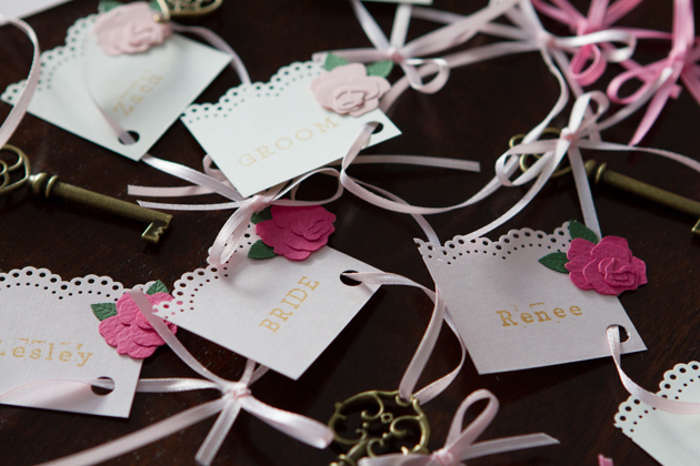 Antique-Vintage Wedding Craft Ideas -- placecards #wedding #antique #crafts