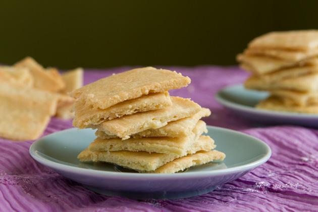 Grain-free White Cheddar Crackers