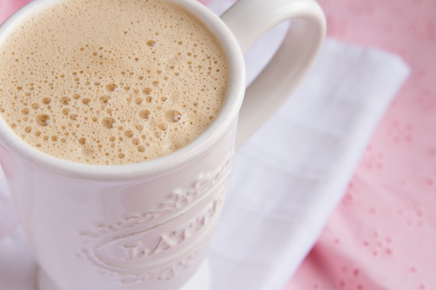 Fat-Burning Rocket Fuel Latte for Women #dairyfree #lowcarb #highfat #paleo #keto