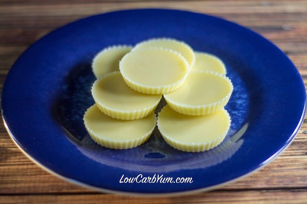 Keto White Chocolate Fat Bombs